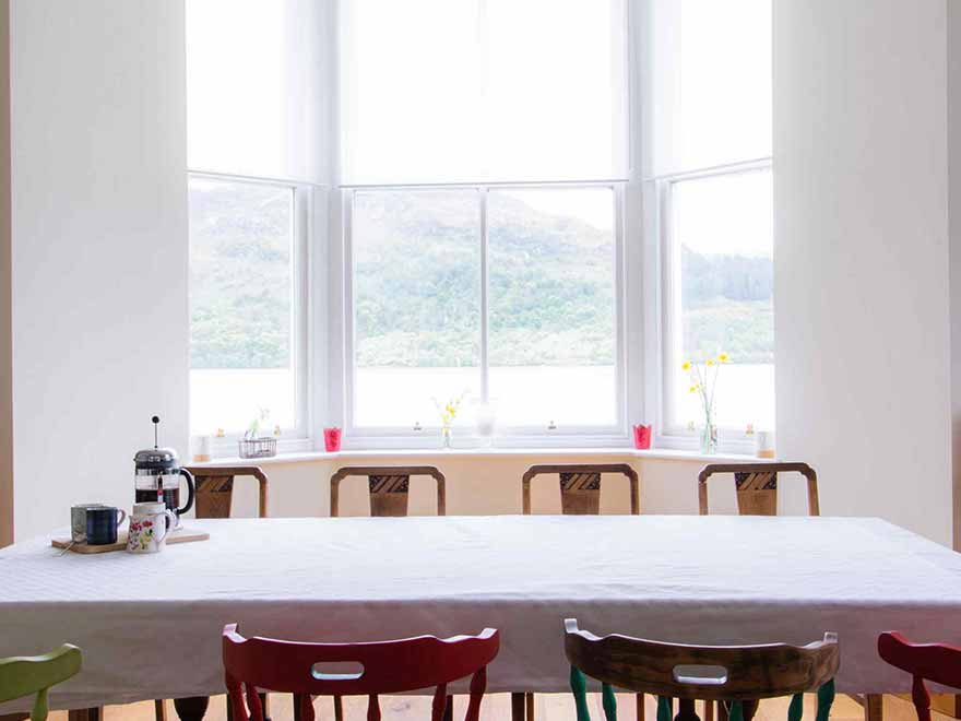 Royal Cottage Dinner Table